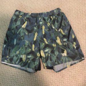 Large Men's Lululemon Shorts